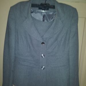 Jones Wear Skirt Suit Sz.10 NWOT